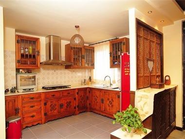 本案在房屋原结构基础上,对空间进行了最大限度的整合