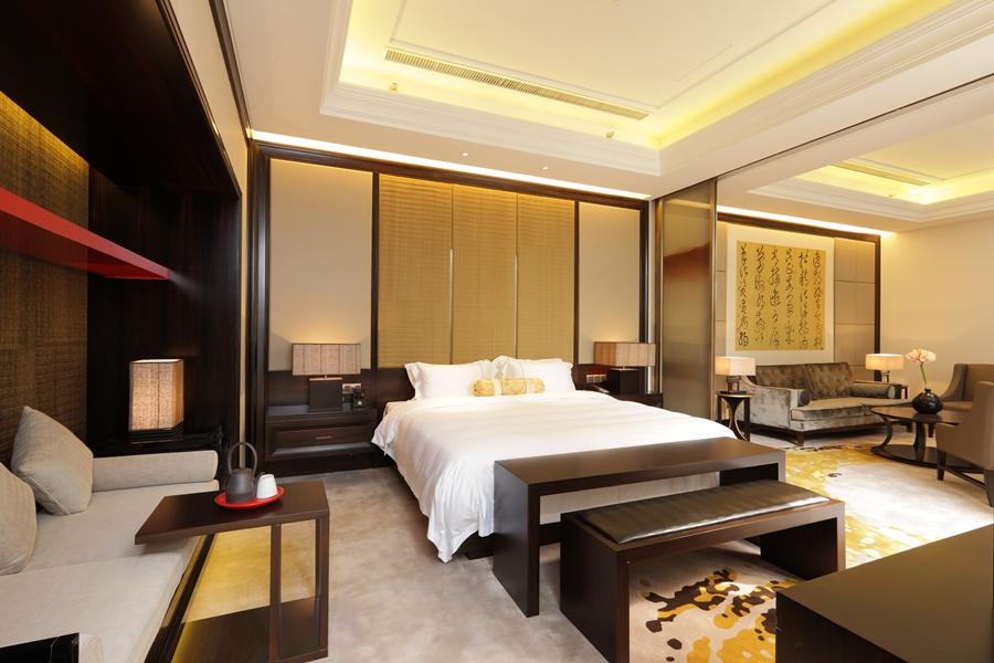 鸿州埃德瑞皇家园林酒店酒店空间卧室背景墙