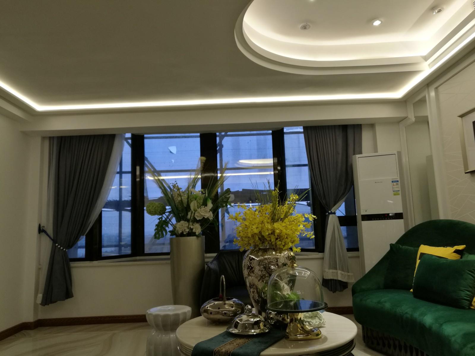 简欧客厅吊顶实景图