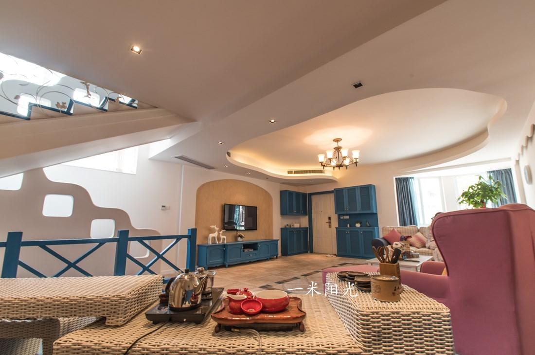 地中海客厅吊顶实景图