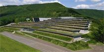 法国这所学校设计把建筑与自然融为一体 像层层叠叠的梯田一般