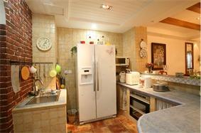 地中海厨房吊顶实景图